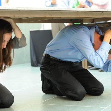 Prière qui envoie des tremblements de terre aux forces ennemies.