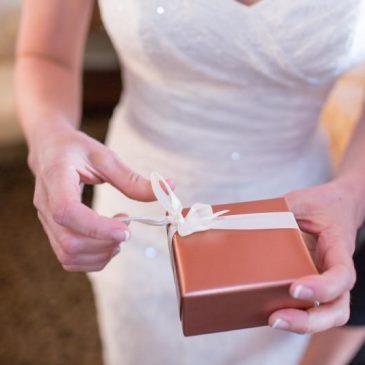 Malédictions qui accompagnent les cadeaux de mariage